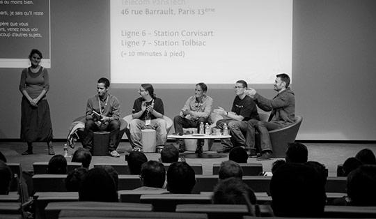 """Conférence """"Table ronde des navigateurs"""" avec Dominique Hazael-Massieux, David Rousset, Karl Dubost, Paul Rouget et Sam Dutton"""
