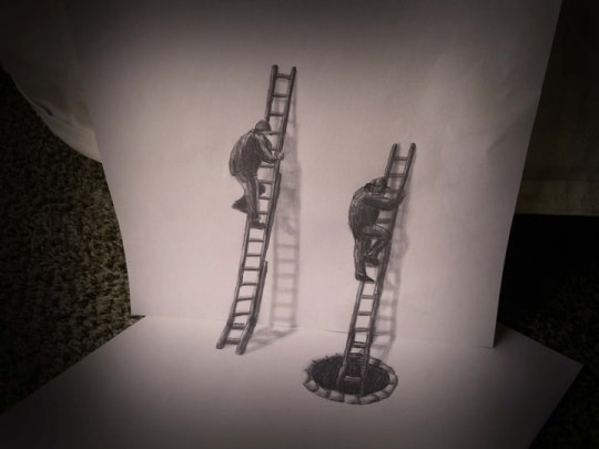 Deux personnages grimpant des échelles dessinés sur plusieurs feuilles et différents plans